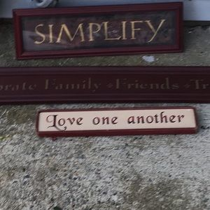 Homegoods Accents - 🆕Farmhouse word signs. Simplify or Live 1 Another